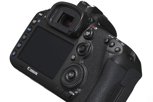 canon_7d_mkii_retro Nuova Canon 7D mark II: specifiche e recensione