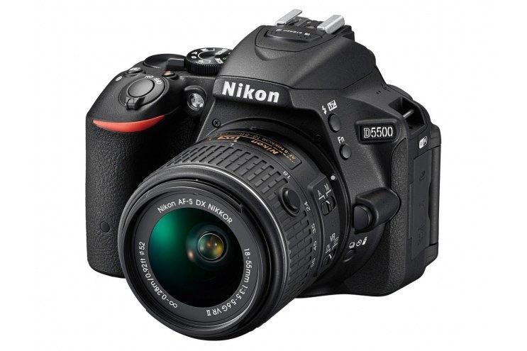 Nikon_D5500 Nikon D5500: specifiche della nuova reflex con sensore da 24,2MP e Wi-Fi