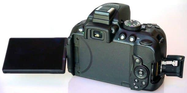 nikon-d5300-dslr-camera-back Nikon D5300 vs D5200 vs D5100: confronto
