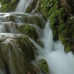 Fotografare cascate rendendole fluide e sfuocate